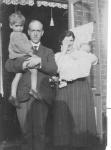David Albert Jacobs Family c 1922 .jpg